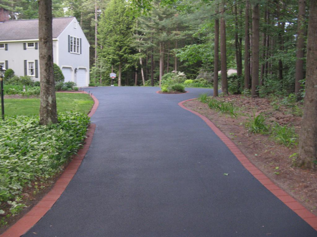 Paving Asphalt Driveways
